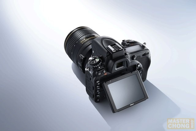 Nikon D750's new tilt LCD